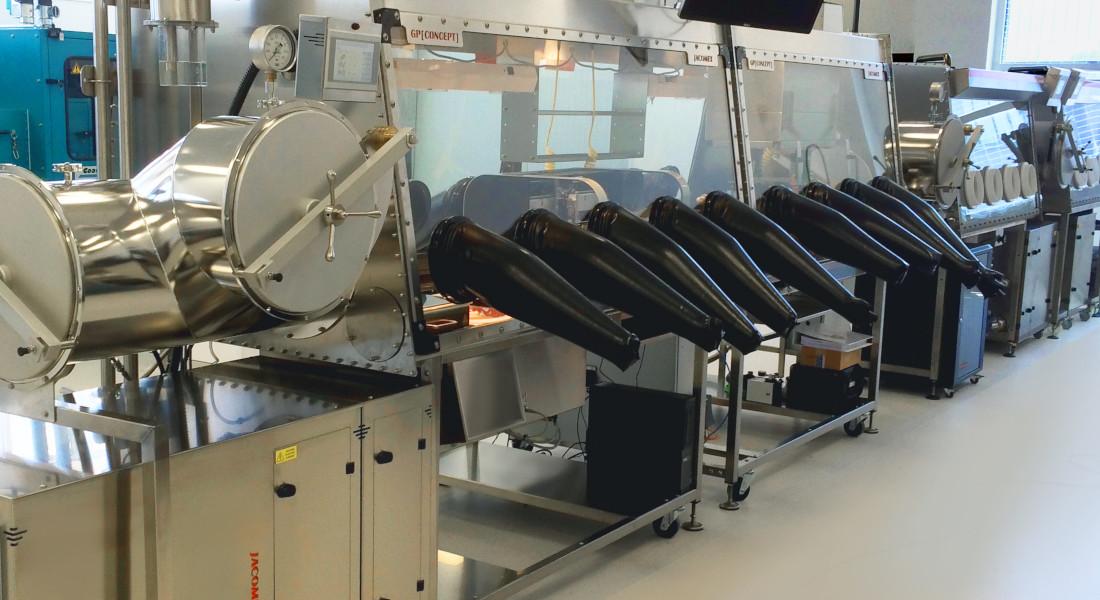 Boîte à gants pour l'électronique organique flexible