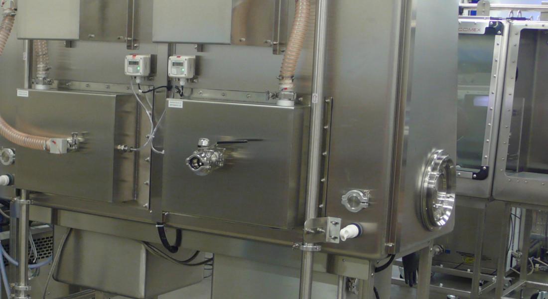 Boîte à gants pour la protection des opérateurs contre les nanopoudres
