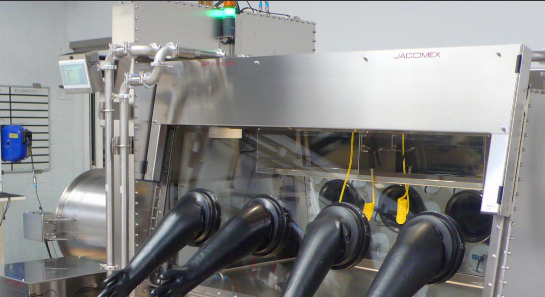 Soudage laser en boîte à gants