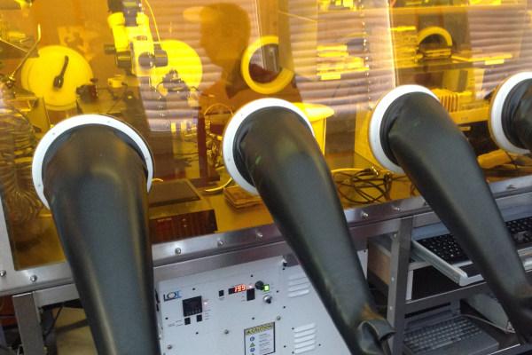 Simulateur solaire pour boîte à gants