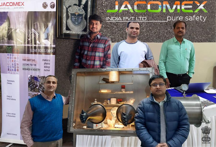 Jacomex est le seul fabricant international de boîtes à gants en Inde