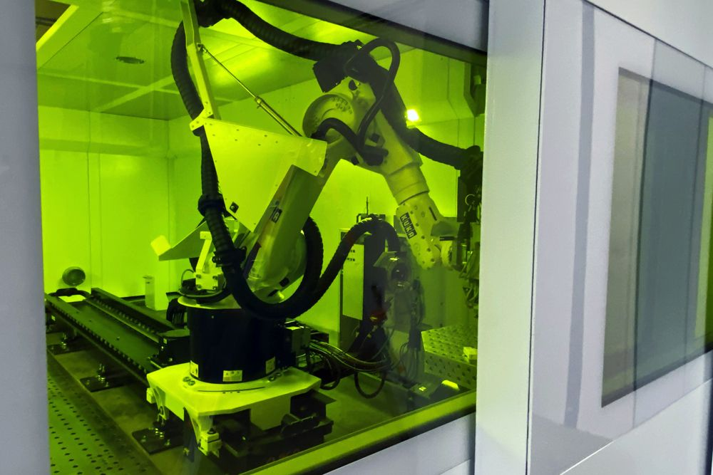 Mise en service de notre nouvelle installation pour la soudure laser avec robot